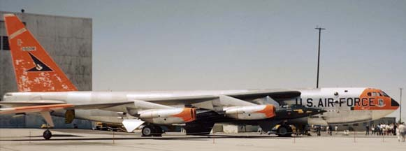 NB-52B, 52-0008 with X-15-1, 56-6670 at May 17, 1960 Edwards AFB Open house