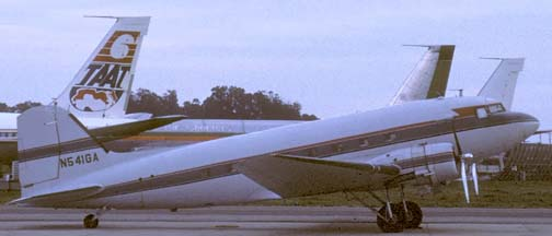DC-3C, N541GA, Santa Barbara Airport, March 1989