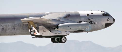 Boeing NB-52B Stratofortress, 52-0008 takes off with X-38 V-131R