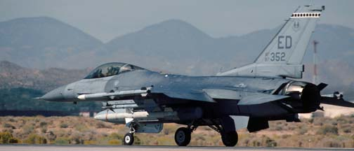 General Dynamics F-16C Block 40A Fighting Falcon, 87-0352 of the 412TW