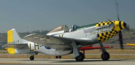 North American P-51D Mustang, NL5551D Dove of Peace
