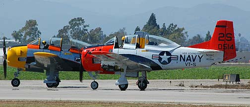North American T-28A Trojan, N81643 and North American T-28C Trojan, N28XC Susy Q