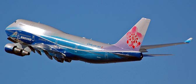 China Airlines Boeing 747-409 B-18210 Dreamliner