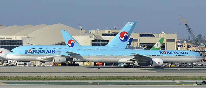 Korean Air Airbus A380-861 HL7611 and Boeing 777-3B5ER HL8217, Los Angeles international Airport, January 19, 2015