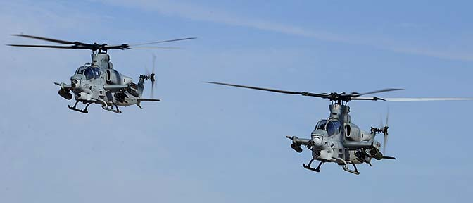 Bell-Boeing AH-1Z Viper BuNo 168799 and AH-1Z Viper BuNo 168002 of HMLA-267, NAF el Centro, February 19, 2015