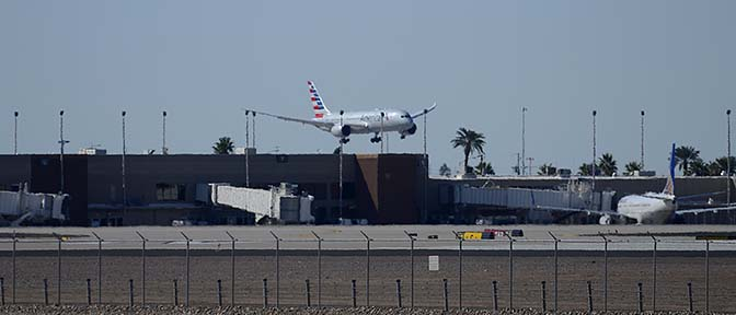 American Airlines' first Boeing 787-823 N800AN, Phoenix Sky Harbor, March 5, 2015