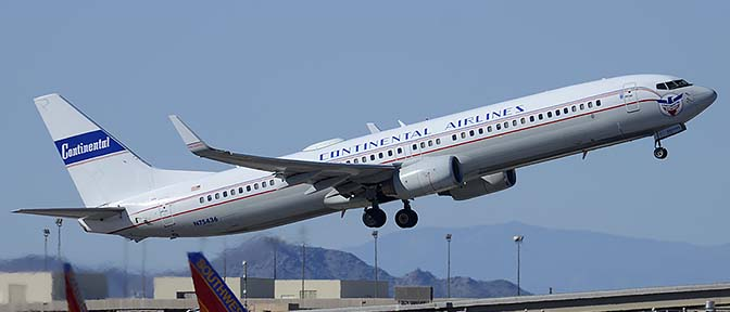 United Boeing 737-924 N75436 Continental legacy, Phoenix Sky Harbor, March 6, 2015