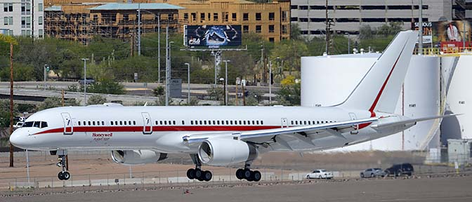 Honeywell Boeing 757-225 N757HW engine testbed, Phoenix Sky Harbor, March 24, 2015
