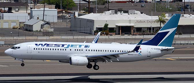 Air Traffic at Phoenix Sky Harbor, Phoenix Sky Harbor, April 12, 2015