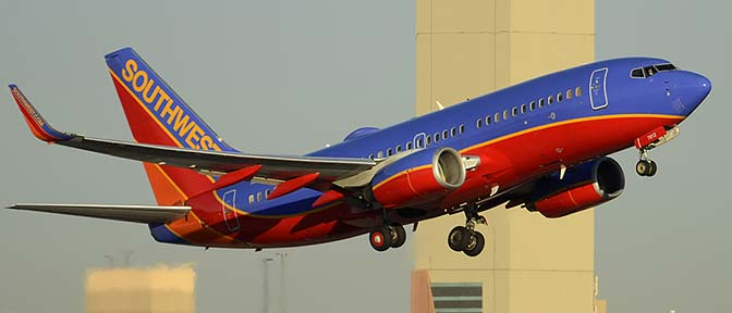 Southwest Boeing 737-76N N7812G, Phoenix Sky Harbor, December 9, 2015