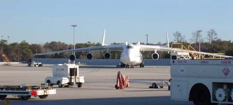 Antonov An-225 Mriya at Bush Intercontinental Airport, December 24, 2003