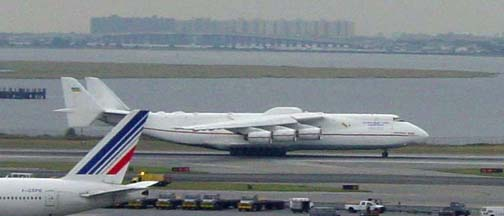 Antonov An-225 Mriya at JFK, September 26, 2003