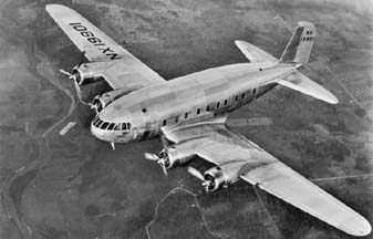 Prototype Boeing 307, NX 19901 with two feathered propellers