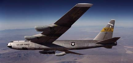 NB-52B carries X-38, V-131R over the Mojave Desert on November 2, 2000